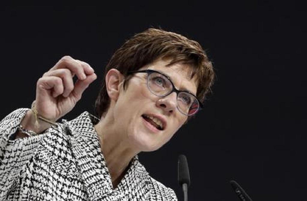 Germania, Annegret Kramp Karrenbauer è la nuova presidente della Cdu