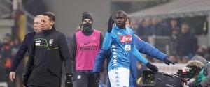 Cori razzisti: due gare a porte chiuse per l'Inter, squalificati Koulibaly e Insigne