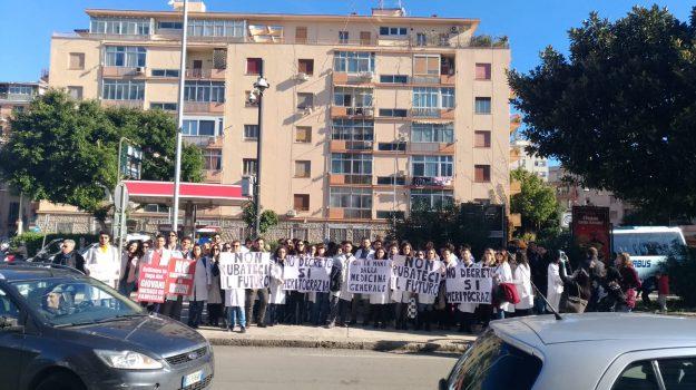 fimmg protesta, medici 118, medici precari protesta, Sicilia, Economia