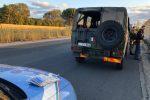 Catania, trovate nove targhe nascoste dietro un muretto: avviate indagini