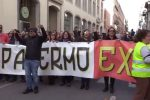 Precari ex Pip scioperano ad oltranza a Palermo: le immagini del corteo che ha paralizzato il traffico