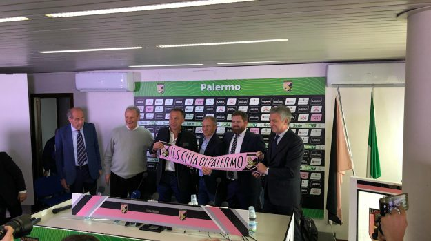 Palermo, Palermo Football Club SpA, quote Palermo, ricapitalizzazione Palermo, Sport Capital Group Investments Ltd, Clive Richardson, Emanuele Facile, Palermo, Calcio
