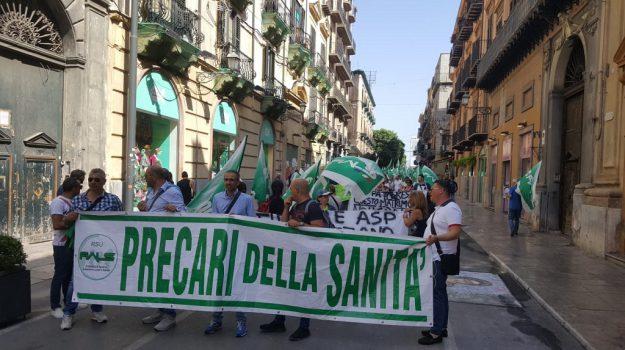 asp palermo, protesta precari asp palermo, Palermo, Economia
