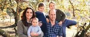 William e Kate, foto di Natale insieme ai figli: sui social il nuovo ritratto di famiglia