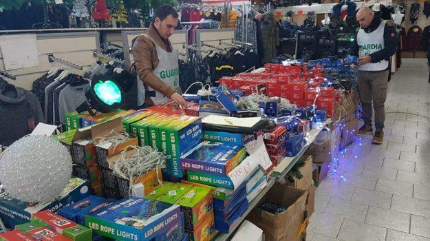 guardia di finanza ragusa, ragusa sequestro articoli natalizi, Ragusa, Cronaca