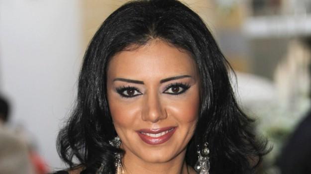 Rania Youssef abito osè, Rania Youssef, Sicilia, Mondo