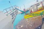 """Sciacca, un """"tappeto"""" di rifiuti invade la zona portuale"""