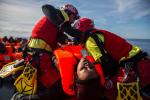 """Migranti, Sea Watch chiede un """"porto sicuro"""": ma per Salvini """"tocca ad altri"""""""