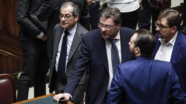 manovra, Sicilia, Politica