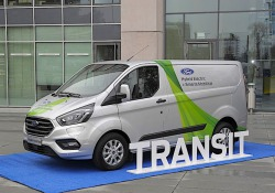 Ford estende a Colonia sperimentazione del Transit plug-in
