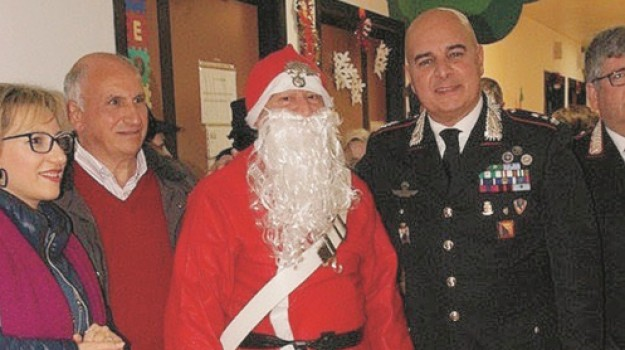 Babbo Natale ospedale Enna, Enna, Società