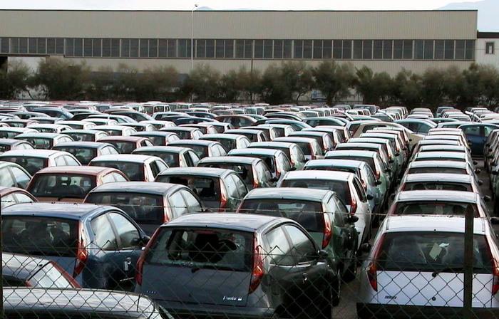 Di Maio sull'ecotassa: 'Non saranno colpite le auto delle famiglie'