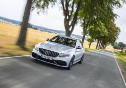 Mercedes mette a segno un novembre da record, +1,5% vendite