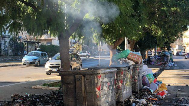 canicattì, raccolta differenziata, roghi di rifiuti, Agrigento, Cronaca