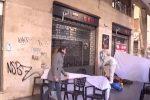 Clochard morto a Palermo, la corona di fiori a Piazzale Ungheria