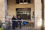 Giallo sul clochard morto a Palermo: le foto da piazzale Ungheria