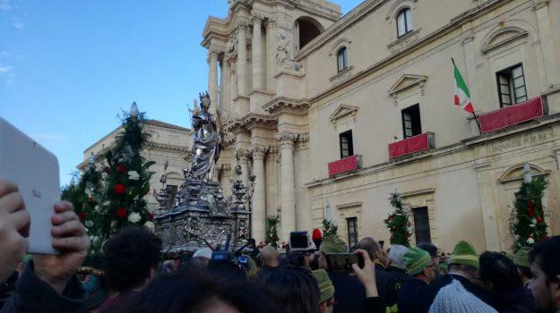 Siracusa celebra Santa Lucia, il corteo e i festeggiamenti in diretta streaming