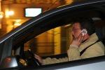 Stretta su uso cellulari alla guida a Roma, più controlli