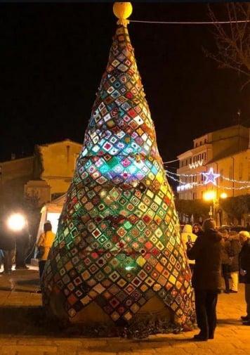 In Molise Un Albero Di Natale Alluncinetto Giornale Di Sicilia