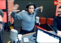 La cantante ospite della trasmissione di Radio2 «I Lunatici»