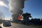 Esplosione in un distributore di carburanti vicino Rieti, due morti e quindici feriti