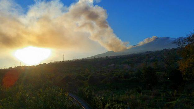 cenere vulcano, eruzione etna, Catania, Economia