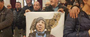 Gli amici di Aldo hanno mostrato uno striscione in ricordo del clochard ucciso