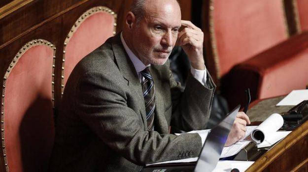 espulsioni m5s, Gregorio De Falco, Sicilia, Politica