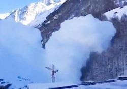 L'esplosione controllata nelle montagne del Vallese