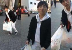 Il video ripreso da un cittadino a piazza del Gesù ha fatto il giro del web