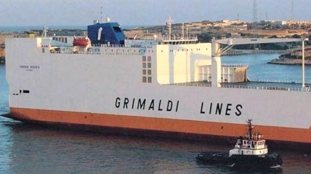 Blitz nella notte, liberato il cargo italiano dirottato dai migranti