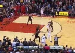 Durante la partita contro i Toronto Raptors, Nikola Jokic, centro dei Denver Nuggets, ha segnato un punto straordinario