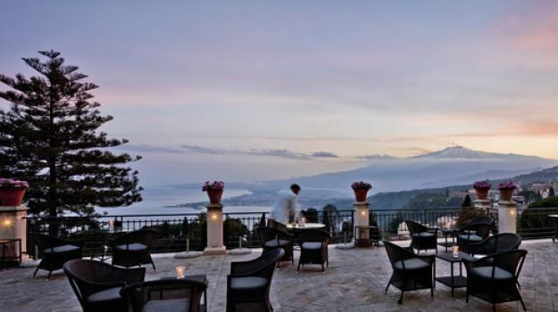 hotel timeo, hotel villa sant'andrea, Messina, Economia