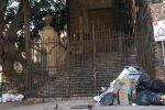 La differenziata nel centro storico di Palermo, primi disagi: le foto dei rifiuti davanti ai monumenti
