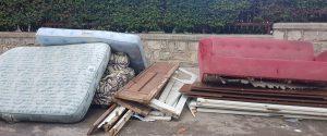 Palermo, valanga di rifiuti e ingombranti al Villaggio Santa Rosalia