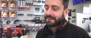 """Allarme spray urticante, il venditore: """"Vietato sotto i 16 anni"""". Ecco quali effetti provoca"""