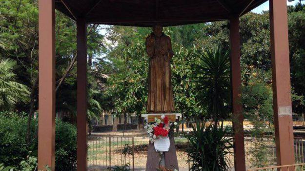statua san pio, Siracusa, Cronaca