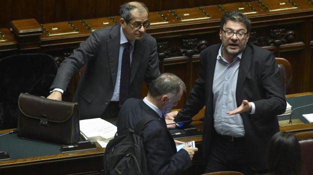 manovra, Giancarlo Giorgetti, Giovanni Tria, Sicilia, Politica