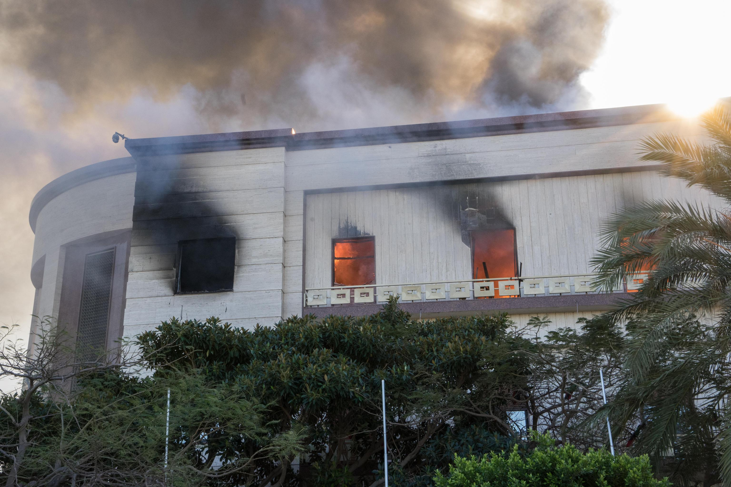 Attacco terroristico al ministero degli Esteri in Libia: cosa sappiamo