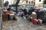 """Palermo, tonnellate di rifiuti ingombranti ovunque. Norata: """"Forse dietro c'è la mano della criminalità?"""""""