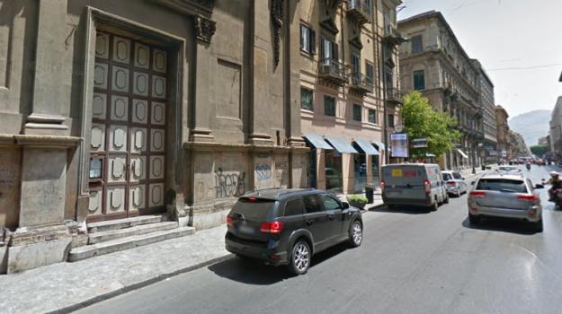 incidente pedone a Palermo, incidente via ruggero settimo, Palermo, Cronaca