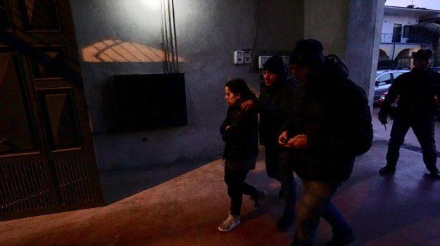 Cardito (Napoli), i pm si concentrano sulla madre del bimbo ucciso a botte