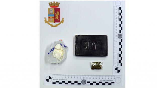 arresto droga castelvetrano, centro daccoglienza castelvetrano, Trapani, Cronaca