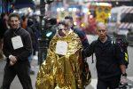 Esplosione a Parigi, è inferno di fuoco nel quartiere Opera: soccorsi e feriti, tutte le foto