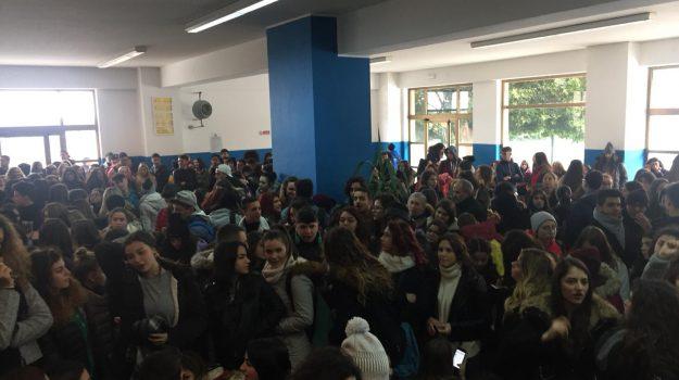 riscaldamenti spenti scuole palermo, Roberto Lagalla, Palermo, Cronaca