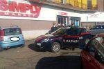 Rapinano armati un supermercato Simply a Mascalucia, bloccati e arrestati