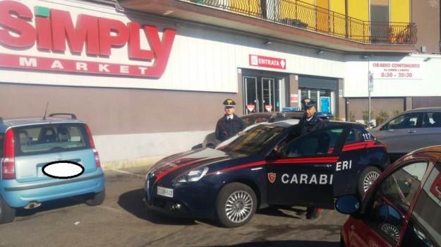 rapina simply mascalucia, rapina supermercato mascalucia, Angelo Nicolosi, Raffaele Merlo, Catania, Cronaca