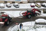 Emergenza neve a Caltanissetta, a lavoro mezzi spargisale e spazzaneve per tutta la notte