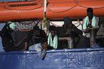 La Sea Watch 3 ferma al largo di Siracusa