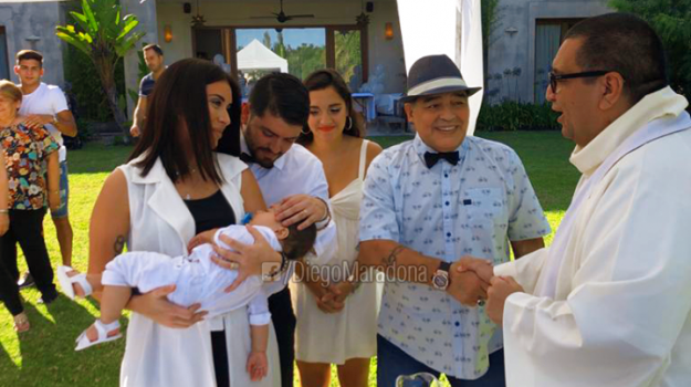 Maradona battesimo nipote, Diego Armando Maradona, Sicilia, Sport